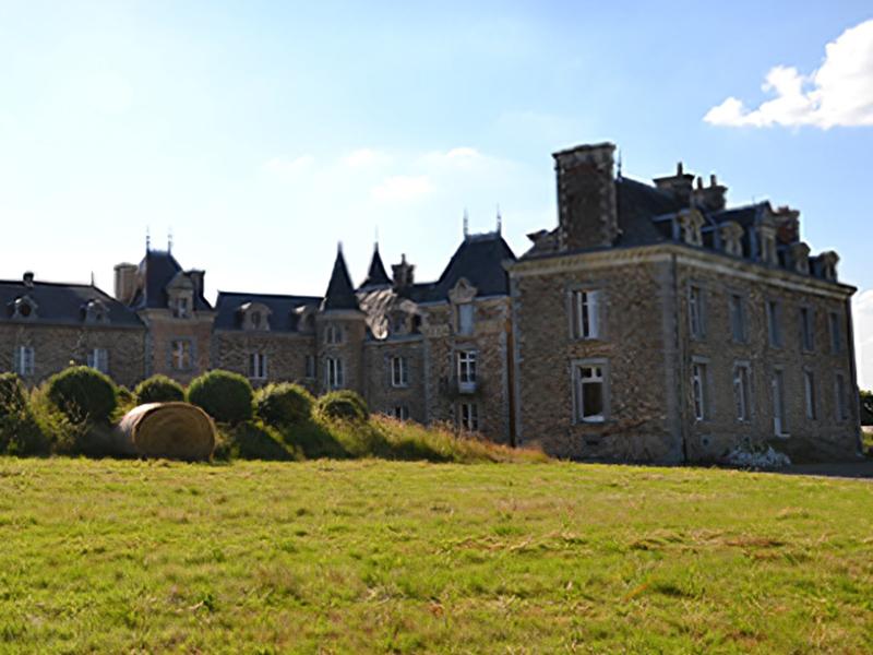 Château De La Barillère Img 1